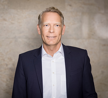 Portrait of Sven van den Boomen, Managing Director Corporate Responsibility International