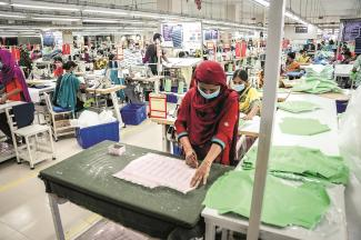 Workers in garment factory in Bangladesh